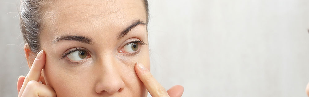 Como aplicar el contorno de ojos